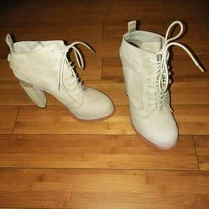 100% AUTHENTIC ALEXANDER WANG CREAM BOOTIE SZ 40